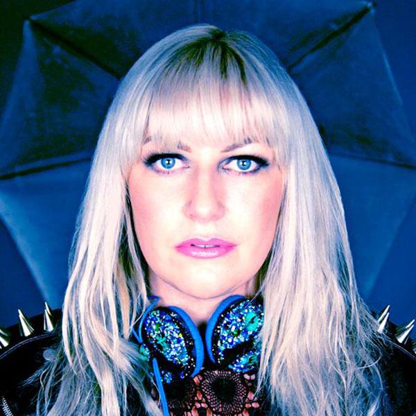 DJ Nikki